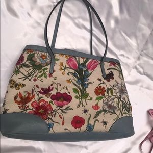 Authentic Gucci floral flora shoulder bag
